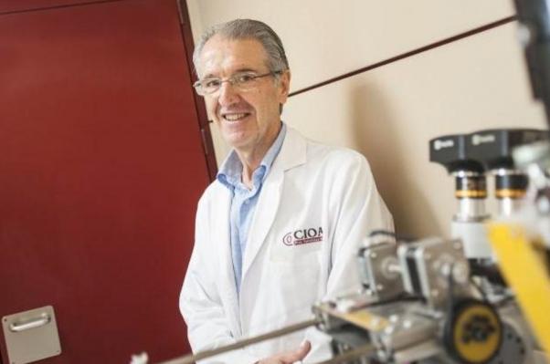Badajoz creará un robot para explorar el ojo